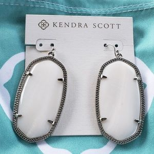 NWT Kendra Scott Mother of Pearl White Earrings